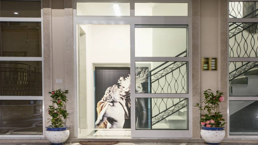 Morin-10-rome-Exclusive-Suites-rome-entrance-2069a