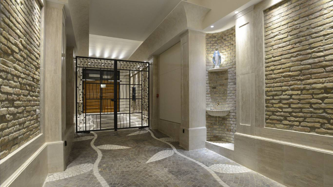 Morin-10-rome-Exclusive-Suites-rome-entrance-2111a