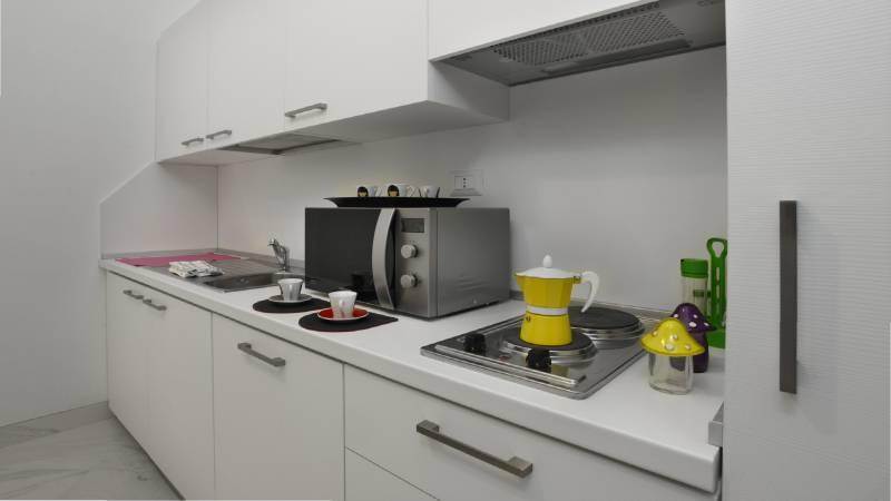 Morin-10-rome-Exclusive-Suites-rome-kitchen-1834a